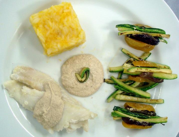 Peixe ao Forno com Molho Taratur, arroz de damasco e damascos recheados com tâmaras e abrobrinha