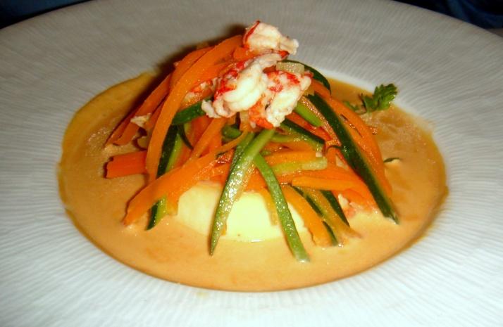 Mousseline de peixe com molho de camarões
