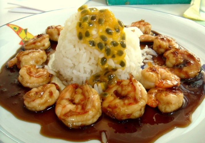Camarão ao molho de maracujá do restaurante Beijupirá