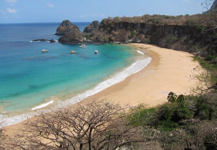 Praia do Sancho, na minha opinião, a mais bonita do Brasil