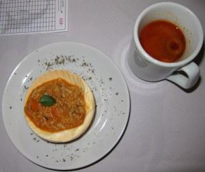 Amuse-bouche (casquinho de carangueijo e caldinho de peixe)