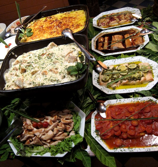 Pratos quentes diversos (frango, bacalhau, peixe...)