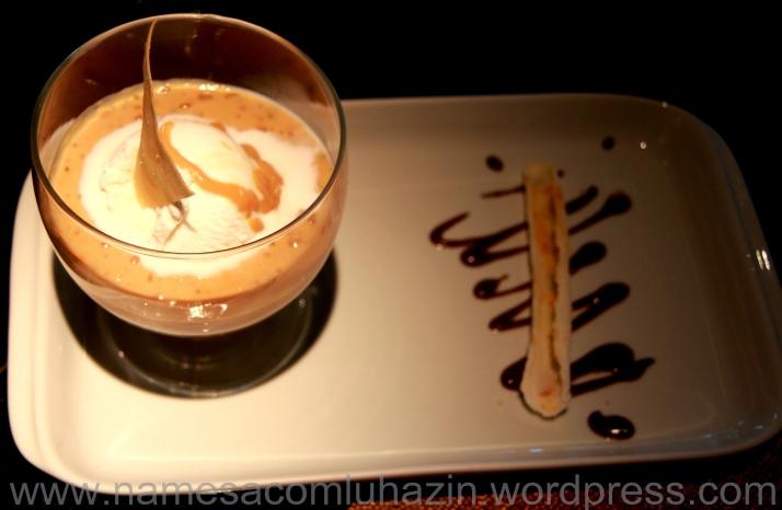 Tapioca quente com sorvete de coco