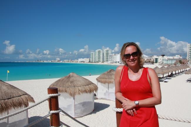 Em frente ao hotel que ficamos em Cancún