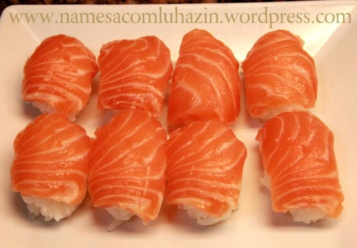 Sushis de salmão
