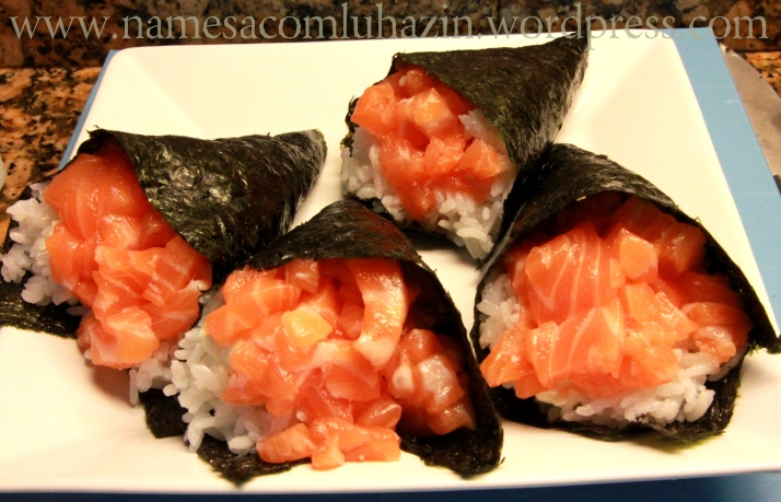Temakis de salmão com cream cheese