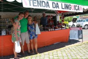 Tenda de linguiças e outros produtos artesanais em Pomerode.