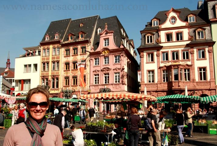 Feira livre no centro de Mainz