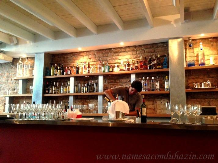 Bar no interior do La Villa