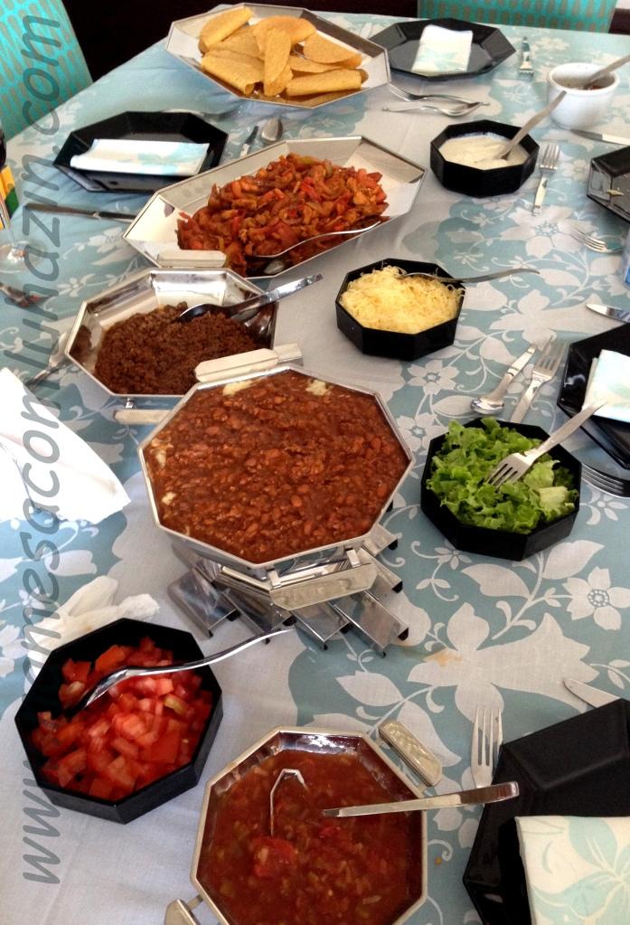Tacos e acompanhamentos