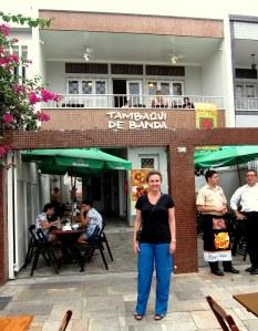Restaurante Tambaqui de Banda, ao lado do Teatro Amazonas