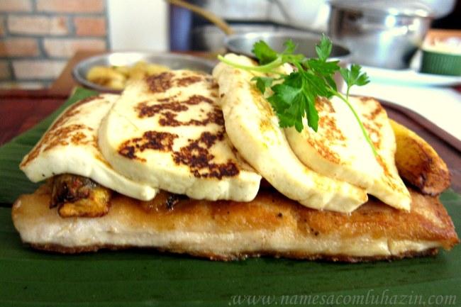 """Pirarucu """"Amazônico"""", grelhado, com bananas e queijo coalho, do Banzeiro"""