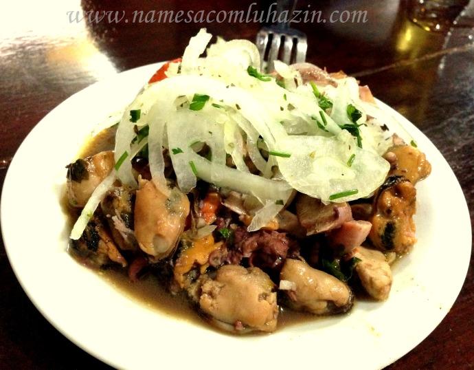 Salada Pérola do Mar: camarões, vieiras, polvo e mexilhões