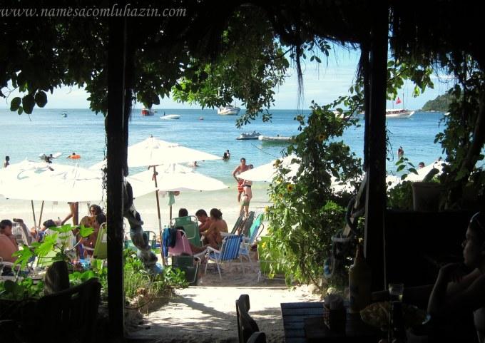 Praia de Bombinhas vista do restaurante Mestre das Águas