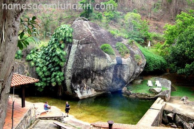 Área da piscina natural da Pousada Paraíso