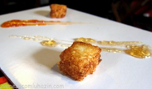 Bolinho frito de tapioca com queijo canastra