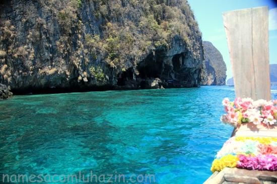 Vicking Cave na ilha Phi Phi Lee