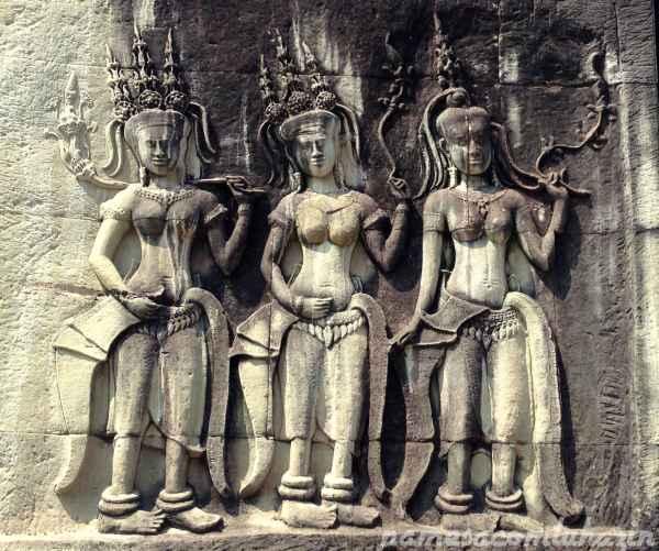 Detalhe em alto-relevo em Angkor Wat