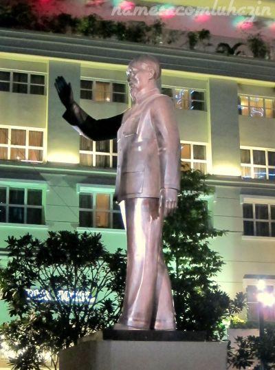 Estátua do líder comunista norte-vietnamita Ho Chi Minh